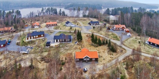 Pä dette hyttefeltet i Aremark er alle hyttene levert av oss
